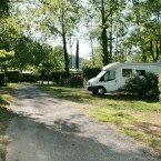 emplacements-ombrages-camping-car-domaine-gil