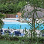 piscine-exterieure-chauffee-camping-domaine-gil