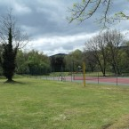 aires-jeux-tennis-volley-cadre-nature-domaine-gil