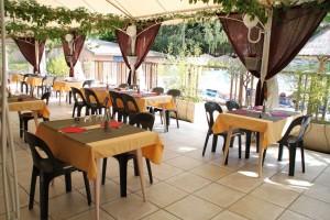 salle-restaurant-domaine-gil